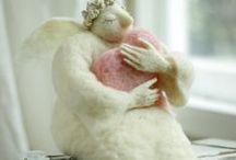 Andělé...