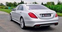 REALIZACJA: Mercedes-Benz S 500 (V222) / Do naszego serwisu trafił Mercedes-Benz Klasy S Long. Stonowane nadwozie skrywa jednak niemałą niespodziankę w postaci silnika V8 Biturbo o mocy ponad 450 KM! Aby trochę podkreślić jego możliwości podjęliśmy się poprawy dźwięku wydechu.  Więcej informacji: http://www.remus-polska.pl/realizacja-mercedes-benz-s-500-v222/  Film z brzmieniem: https://youtu.be/oSFfuBIyItk  Wyłączny Dystrybutor REMUS INNOVATION Remus Polska - http://www.remus-polska.pl/