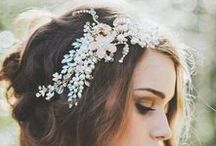 Accessories. / Jewelry and accessories for your wedding day.