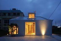 "MAWARU MAWARU / LSD design co., ltd. ""MAWARU MAWARU""/2013/house/Okinawa, Japan/reinforced concrete construction/two stories"
