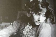 Colette / Sidonie-Gabrielle Colette, 28 Janvier 1873 – 3 août 1954 «Le vice c'est le mal qu'on fait sans plaisir.»
