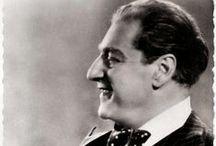 Sacha Guitry / Alexandre Georges-Pierre Guitry né le 21 février 1885 à Saint-Pétersbourg, mort le 24 juillet 1957 à Paris