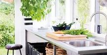 Kitchens - Organic / Organic kitchens emphasize the link between man and nature. Neutral and natural styling