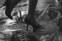 """still falls the rain / amo l'odore delle cose che andranno perdute,"""" come lacrime nella pioggia"""""""
