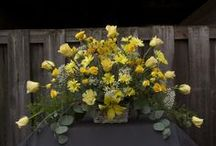 Soft Country Charm / Floral arrangements that have a carefree, romantic look.
