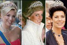 Realeza - Com suas Tiaras, coroas e joias / Rainhas, Princesas, Duquessas .... com suas tiaras, coroas e joias. / by Jardna Juca
