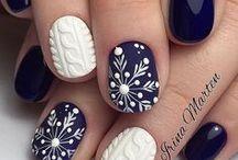 Holiday Nail Art / Holiday themed nail art - #manicure #pedicure
