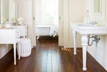 Architecture: Bathrooms / by Tina Nelson