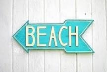 BEACH BUNGALOW / by Tammy Ridgway