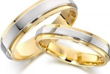 His and Hers Wedding Bands Set / These magnificent His and Hers wedding bands set are perfect for any couple. Each ring is made uniquely to fit you and your loved one.