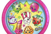 Shopkins Party Supplies / Shopkins Party Supplies are all the rage right now. These super cute, fun, small characters With bright eyes, vibrant colors and adorable names, are a huge hit. Each tiny grocery-themed character has a unique personality that takes shopping adventures to a whole new level.Once you shop, you can't stop! Throw a super cute Shopkins party with our official Shopkins party supplies. Choose from tableware, decorations, balloons, invites and more featuring all your favourite characters