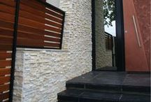 Ledgerstone / Jeffrey Court's Ledger Stone panels are beautiful natural stones designed for both commercial and residential installations. Comprised of 100% natural stone, Ledger Stone is ideal for both interior and exterior wall applications. Designs using Ledger Stone panels give a timeless rustic flair to: accent walls, indoor and outdoor kitchens, fireplaces, pillars, exterior cladding, and landscapes. kitchens, fireplaces, pillars, exterior cladding, and landscapes.