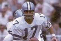 NFL Past Players / A collection of Image Galleries of the greatest players in NFL History. And even some pictures of the Not So Great.