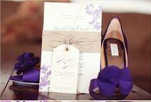 wedding moodboard purple and green / Ideenboard für Hochzeiten in Lila & Grün, vom Brautkleid bis zur Tischdekoration, Blumenschmuck & Handgemachten Einladungen sowie Menükarten und mehr.