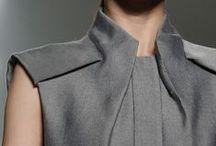 Détails / La haute couture se définit par les détails et les subtilités apportés aux basiques que sont les vestes, les jupes et les pantalons : une structure, un plissé, une asymétrie ...