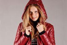 Damenmode Winter 2015 / Die Damenkleidung von LISA CAMPIONE überzeugt durch eine unverwechselbare Handschrift und Stil für die anspruchsvolle Frau von heute. Die ausgewählte Designermode überzeugt mit topaktuellen Trends und zeitlosen Basics aus der Mode. Holen Sie sich die angesagten, sportlichen Outfits in Ihren Kleiderschrank. Lassen Sie sich von den einmaligen Modellen aus der italienischen Damenmode inspirieren.