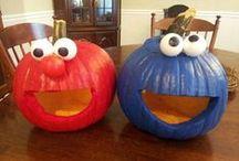 Holidays-Halloween/Dia De Los Muertos / by Jillian Stinson