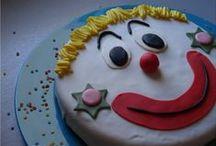 Anniversaire Clown / Pour l'anniversaire de mon grand chaque année = une thématique  3 ans les Barbapapa 4 ans les pirates 5 ans les chevaliers 6 ans....... LES CLOWNS!