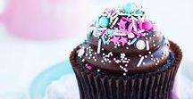 Classy Confections / Decorated cakes, cupcakes, cake pops & more!