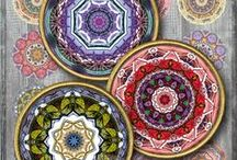 Mandalas and kaleidoscopes - Digital Collage Sheets and Papers / Printable images to download, print, and use for your crafting projects: jewelry making, glass cabochons, pendants, earrings, rings, charms; magnets, stickers, card making, gift tags, scrapbooks, and other paper crafts.