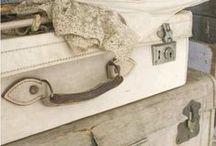Valige e bauli / valises et malles / suitcases and trunks