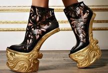In Style: Alexander McQueen / by Elaine Joyce Kochoa