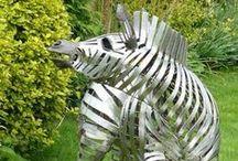 Creatief met zebra's / Creatief denken kan makkelijk met de methode Think like a Zebra. Als eerbetoon en inspiratie hier een overzicht van creatieve zebra's