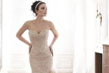 Bridal Showroom / Preview the samples you'll see in our showroom for 2015
