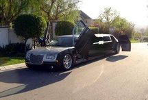 Chrysler Limousines Perth / Images of chrysler limos in Perth for school balls, high school formals and weddings.