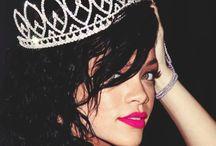 Rihanna / Parce que c'est une femme aux multiples facettes (et couleurs de cheveux) qui en inspire plus d'une.