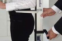 """Planungshilfe für ergonomische Küchen / Um Küchen ergonomisch und rückengerecht planen zu können, verwenden Küchenstudios dieses Ergonometer. Es wurde von der Arbeitsgemeinschaft """"Die moderne Küche e.V."""" zusammen mit der TU Darmstadt entwickelt (http://www.iad.tu-darmstadt.de/forschung_15/forschungsschwerpunkte_1/produktergo_1/kuechen.de.jsp)"""