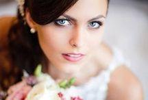 MAKE-UP + FRISUREN | HOCHZEIT / Inspirationen und Ideen für dein Styling am Hochzeitstag: Make-up & Haare  #christina_eduard_photography  #make_up #brautfrisur #hochzeitsfrisur #hochsteckfrisur #braut #elegante_Braut -Braut_styling #Ideen_Hochzeit_Brautsyling #inspiration