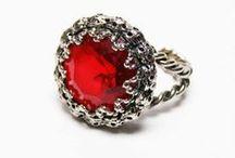 FMN Vintage Jewelry Box / by Etsy FMNDDTeam