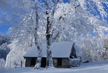 Winter Wonderland / In the lane snow is glistening. A beautiful sight, we're happy tonight...Walking in a winter wonderland!
