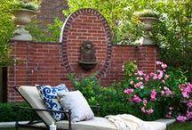 Ideas para el jardín / Mira todas las ideas para decorar tu jardín. El cesped artificial es un elemento ideal para este tipo de decoraciones.