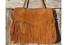Sacs & it bag boho chic / Des sacs besaces cabas pochettes  Frangés, irisés, ou étoilés les tendances du moment Bohème chic