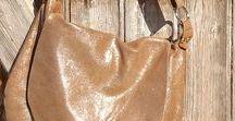 Sacs & it bag / Des sacs besaces cabas pochettes  Frangés, irisés, ou étoilés les tendances du moment Bohème chic, free spirit, hobo style, cuir vintage