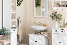 Micasa Bad / In jedem Bad steckt eine kleine Oase. Entdecken Sie Ihre mit den dekorativen Möbeln und Accessoires auf den folgenden Pins.