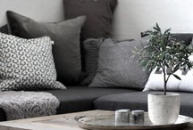 COLOURS: Grey, grey... and Grey! / Grey in beautiful in Interiors... Floors, walls, tiles, bed linens...