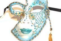 Venetian masks (masti venetiene)