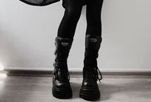 Goth and goth things / Me encanta éste estilo.