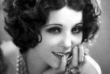 The New Woman's New Look / The Roaring Twenties were a time of change. In that magmatic time, the flapper appeared, the New Woman who didn't fear to express herself freely and to go after her desires - A series of articles at http://theoldshelter.com/