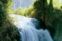 The Lord is good! / Herren er min hyrde, jeg mangler ingen ting. Han lar meg ligge i grønne enger; han fører meg til vann der jeg finner hvile, og gir meg ny kraft. Han leder meg på de rette stier for sitt navns skyld.