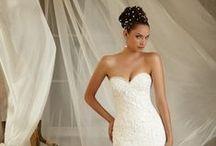 Wedding Gowns / by Jasmine Tan