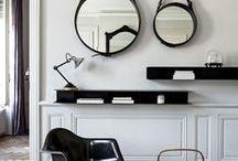 Chairs & Eames / Mélanges de chaises et les iconiques Eames.