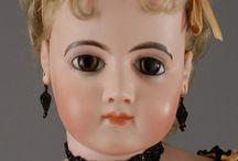 Porcelán babák