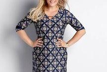 """NOWY SEZON - SUKIENKI / Stylowa czerń, inspirujące wzory, korzystny dla sylwetki krój """"fit & flare"""", popularny fason w kształcie litery A - polecamy najmodniejsze sukienki tego sezonu."""