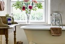 Bathrooms / by Christina Witherington