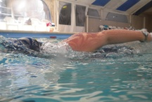 Nadando...