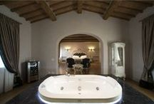 """Relax e felicità: Jacuzzi in Camera! / Relax and Happiness: Jacuzzi in the room! / Per dirsi """"Ti amo"""" fra mille bollicine! / To say """"I love you"""" between thousand bubbles! http://www.weekendromanticotoscana.info/"""